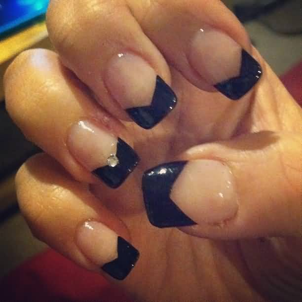 Glossy Black French Tip Nail Art Decorate With Stone