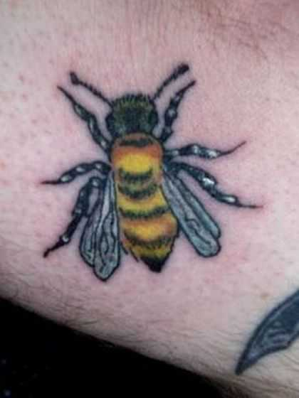 Coolest Realistic Bee Tattoo For Men