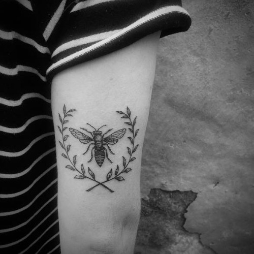 Coolest Small Bee Tattoo Leaf For Back Arm