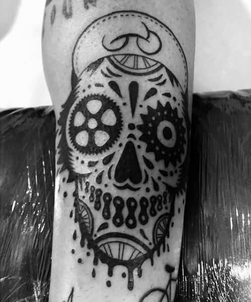 scary skull bike chain tattoo for men leg. Black Bedroom Furniture Sets. Home Design Ideas