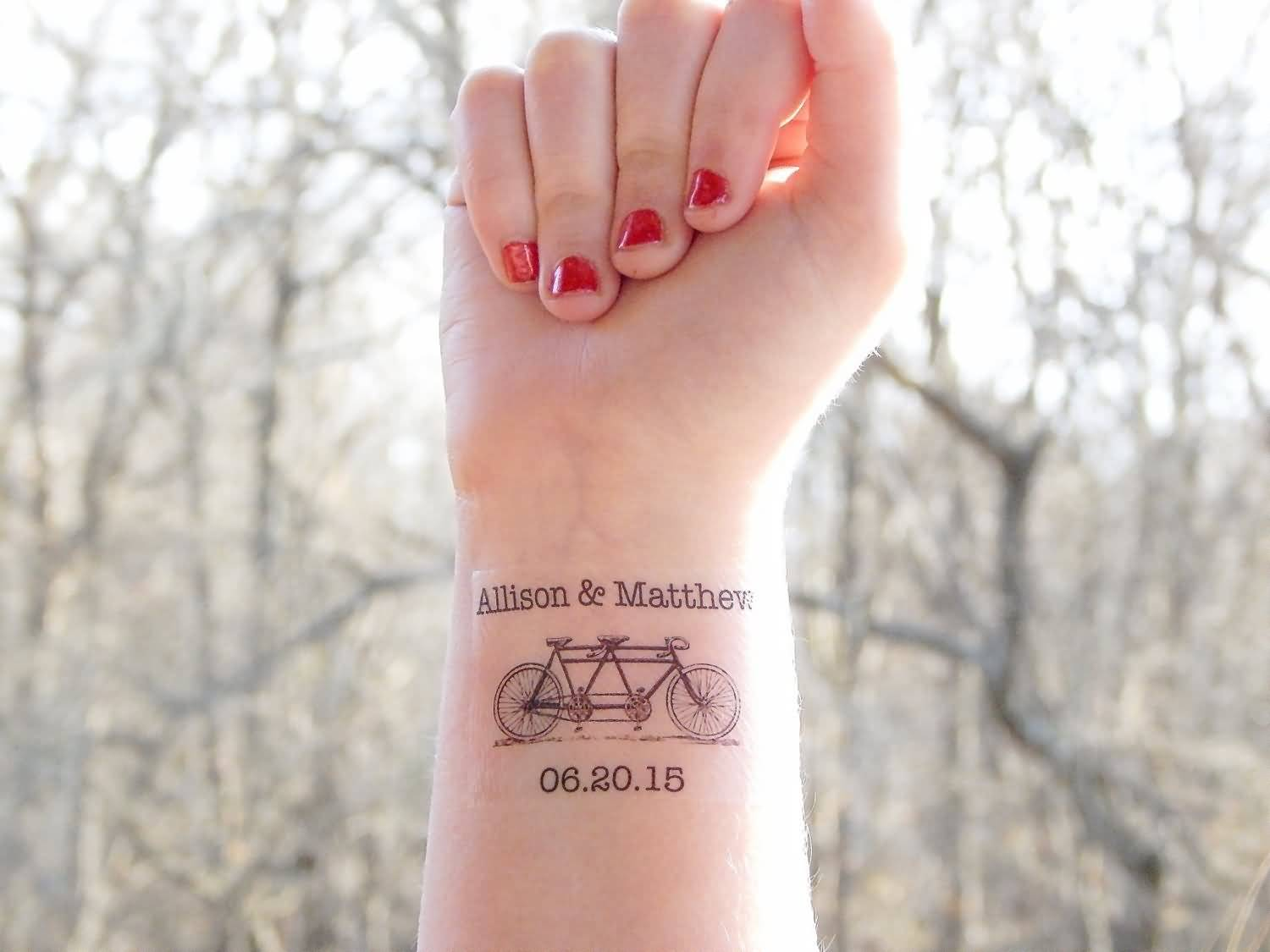 Date tattoos for Dating a woman with tattoos