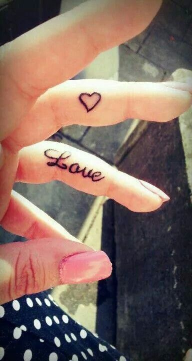 22 @ Finger Love Tattoos March