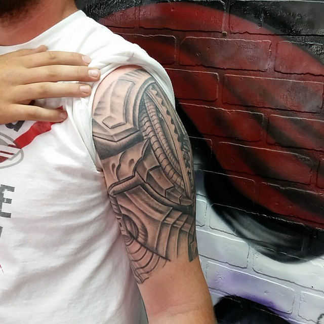 Amazing Biomechanical Tattoo