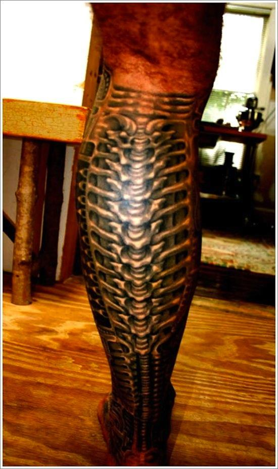 Attractive Biomechanical Tattoo
